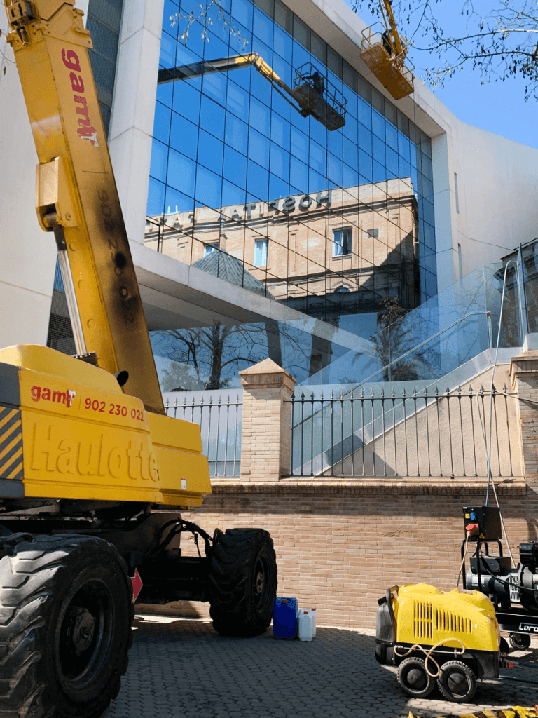 limpieza fachada hospital