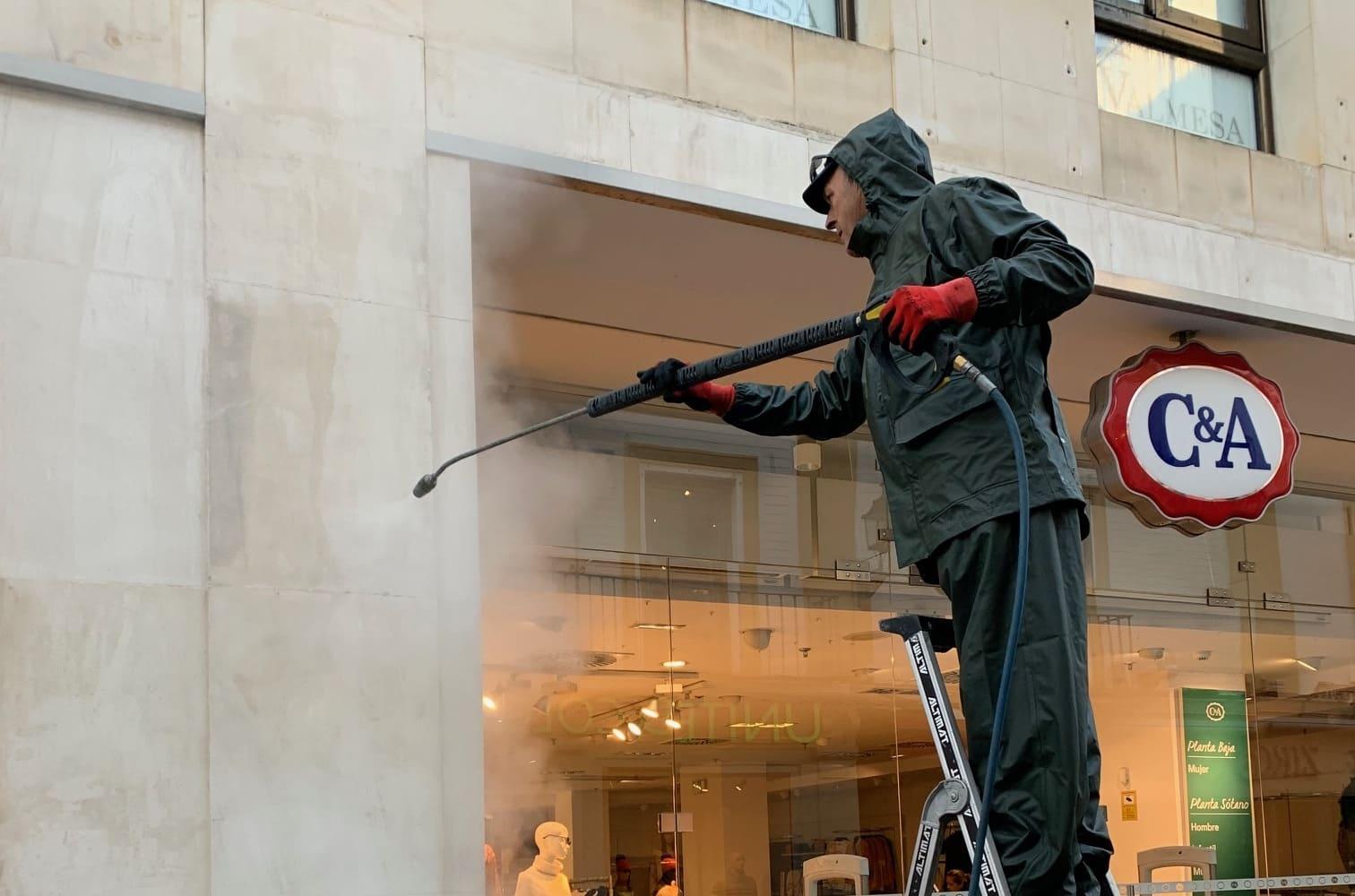 limpieza de la fachada de C&A